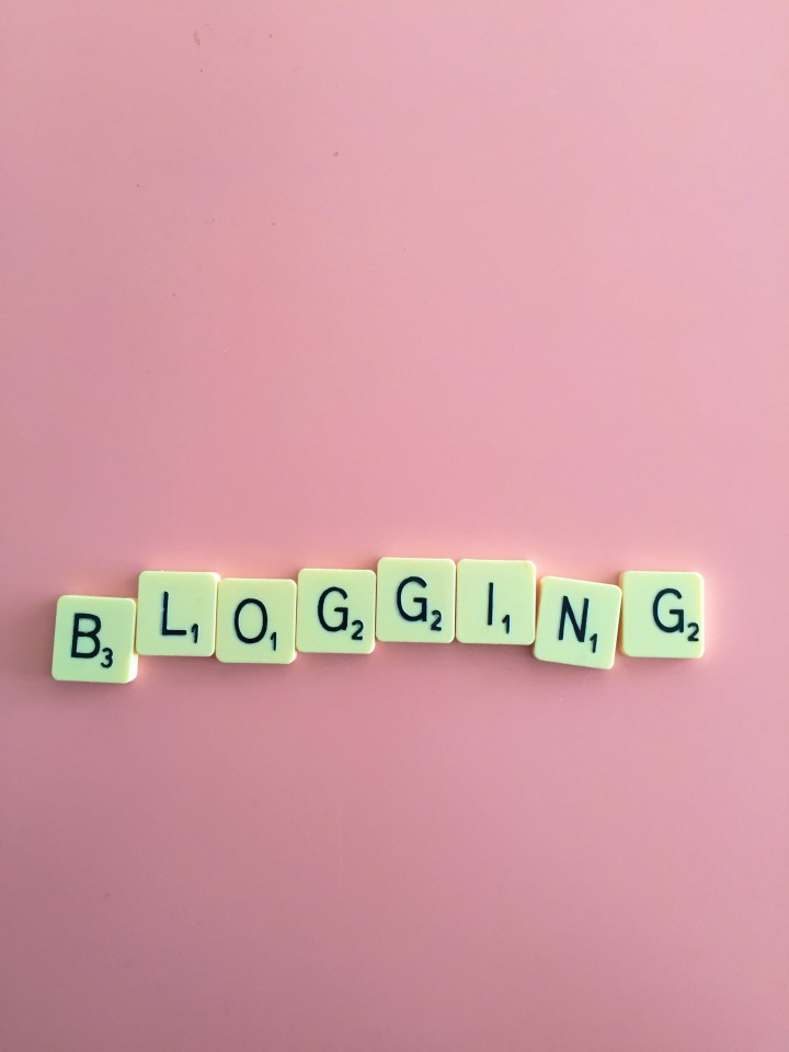 """Blogging"" by Jonathan Rolande is licensed under CC BY 2.0"